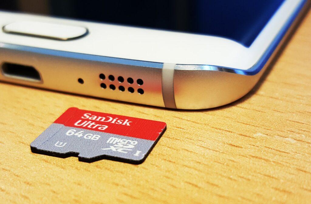 Come inserire l'SD nel Galaxy S6 e S6 Edge